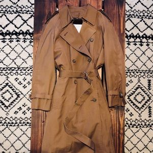 「London Fog」Vintage Woman's Trench Coat